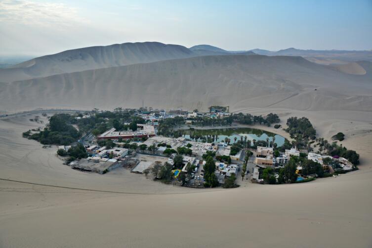 Оазис Уакачина и песчаные дюны, Перу