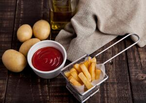 Есть множество способов, есть много разных вкусов... у жареной картошки!