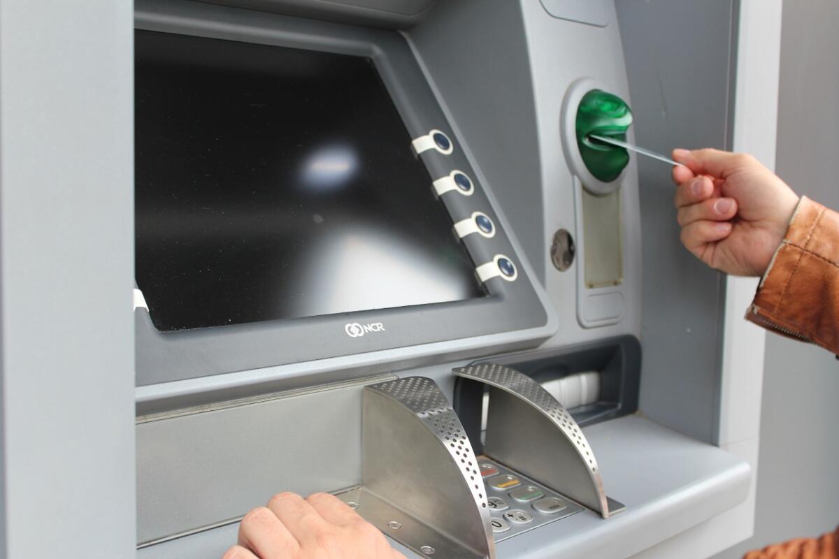Представь, что твоя жизнь - банкомат