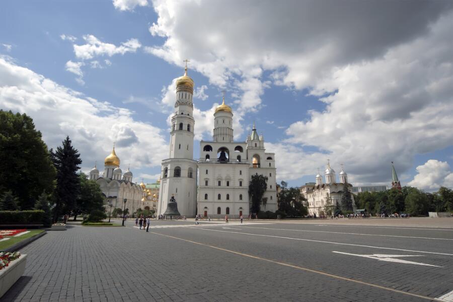 Вид на колокольню Ивана Великого