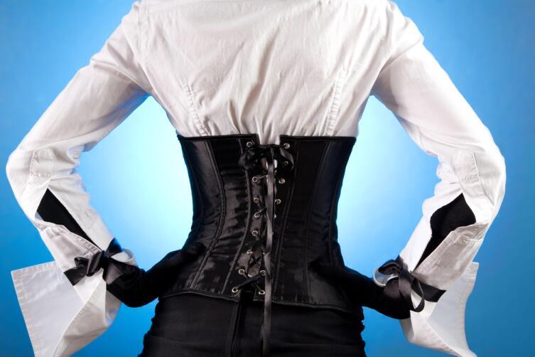 Корсет: рванем за модой или побережем здоровье?