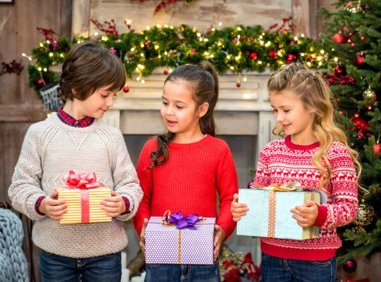 Как правильно выбрать сладкий подарок для малыша?