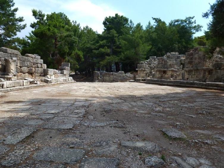 Агора (центральная площадь)