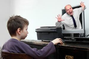 Как обезопасить ребенка в социальных сетях?