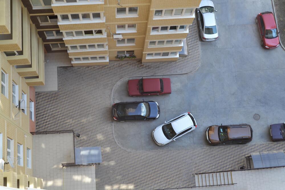 Платные парковки – избавление от пробок?