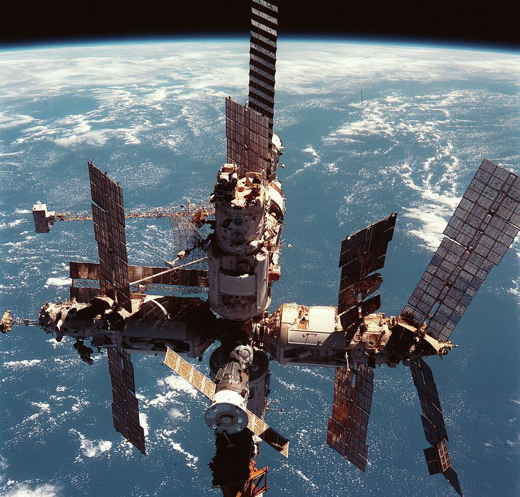 Станция «Мир» 12 июня 1998 г.