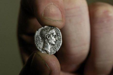 Фальшивый серебряный денарий