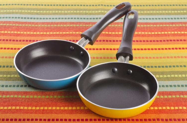 Какую посуду выбрать для кухни? Безопасно, удобно, вкусно