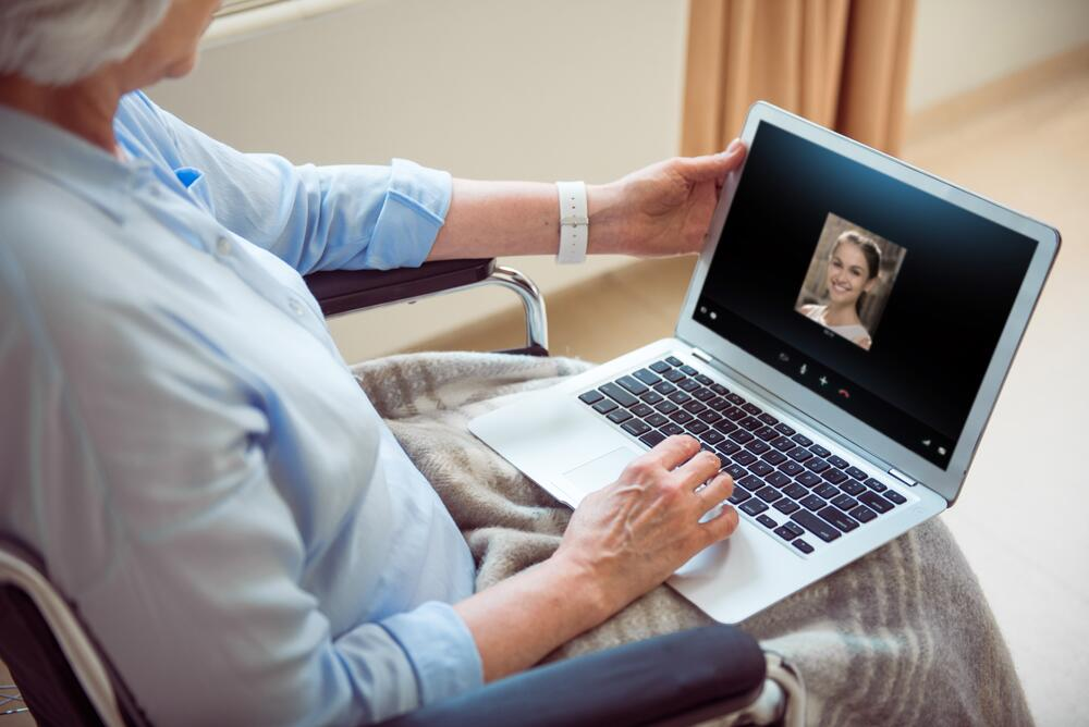 Няня по интернету - утопия или новый способ выживания?