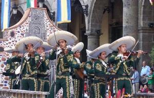 «Ай-яй-яй-яй!» Как мексиканские мачо стали петь сентиментальные песни?