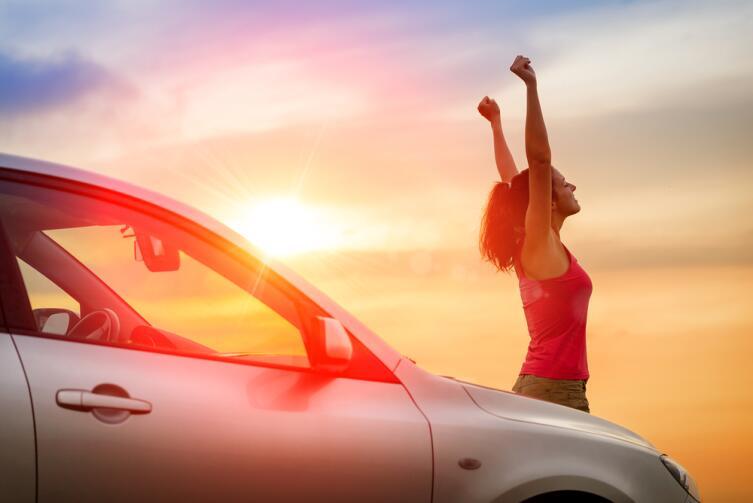 Почему женщина может водить автомобиль?