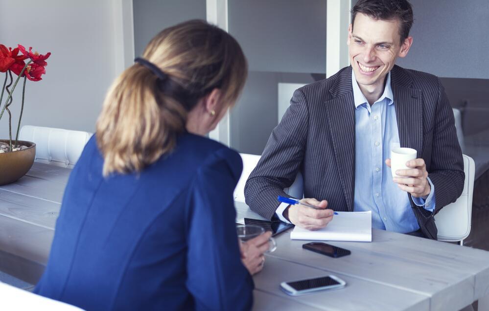 Как установить доверительные отношения с нужным человеком? Психология закрепления знакомства