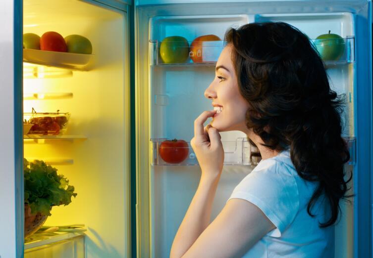 На ночь глядя... Как усмирить ночной голод?