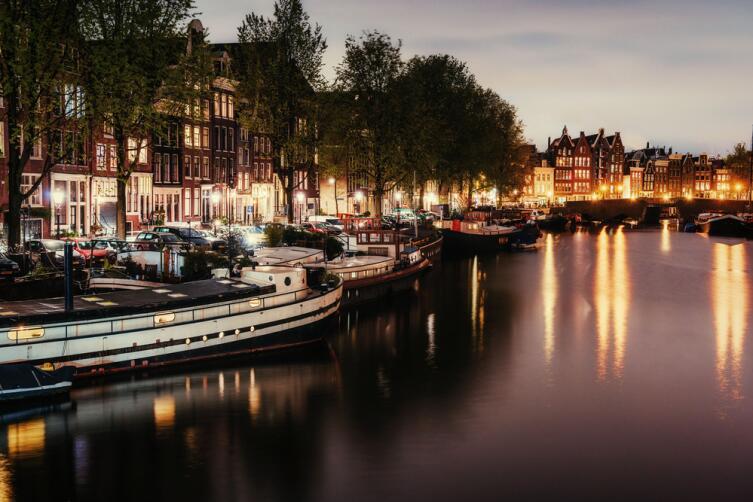 Красивая ночь в Амстердаме
