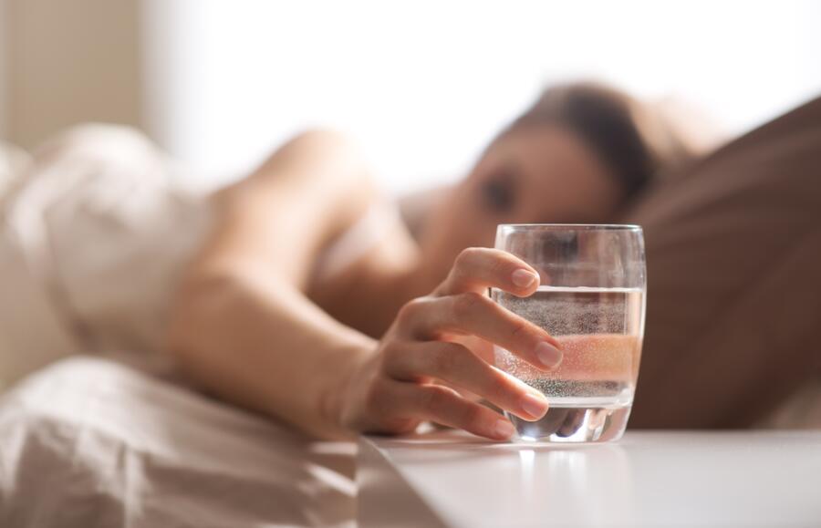 Чем полезен обычный стакан воды?