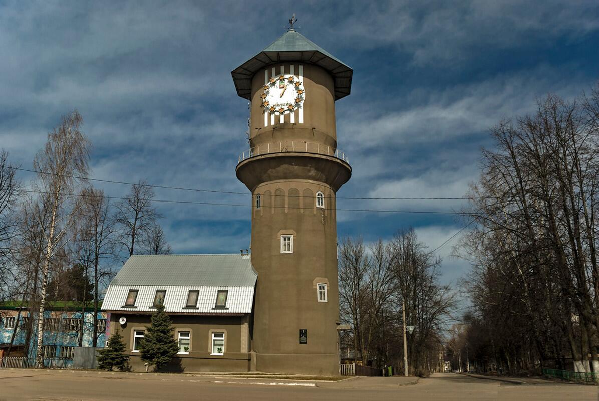 Водонапорная башня, символ города, построена в 1920-е годы