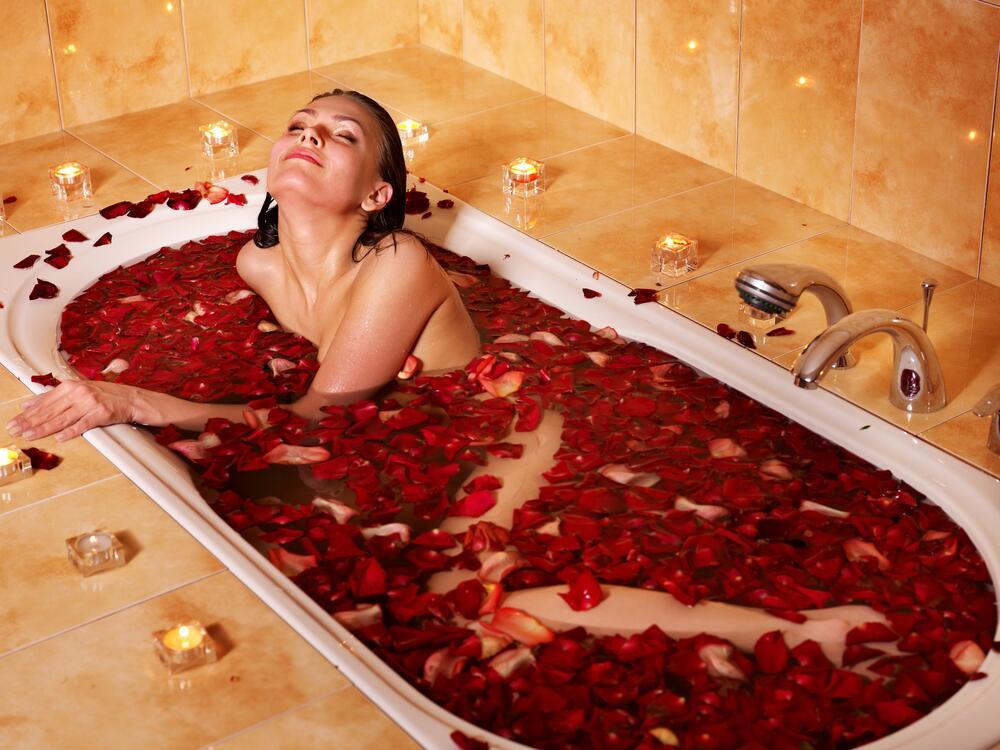 Принимаем ванну: какие добавки можно использовать?