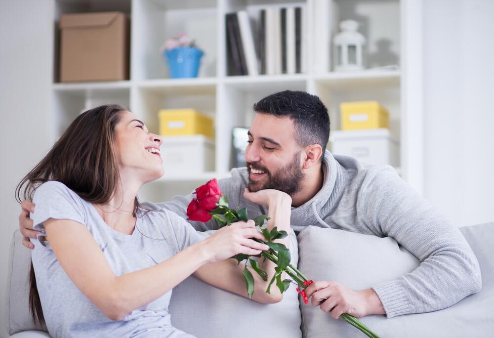 Смотреть секс в постели с темпераментным мужчиной к женщине