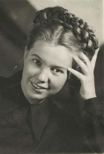 Р.М.Титаренко. В год поступления в Московский государственный университет. 1949г