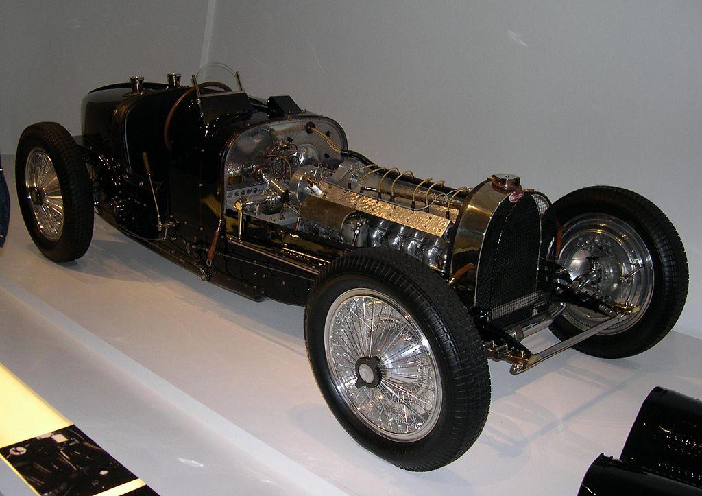 Бугатти 1933 года