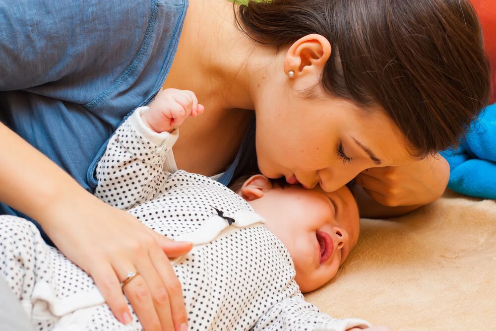 Как спасти малыша от колик? Борьба за спокойный сон