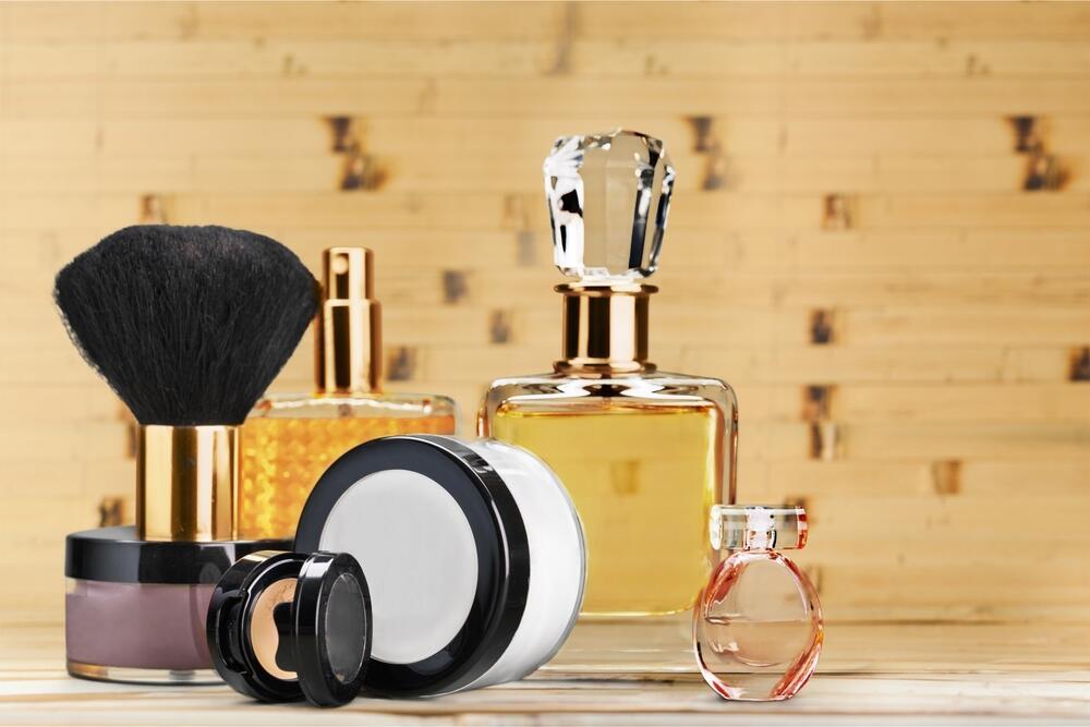 Как продлить стойкость парфюма?