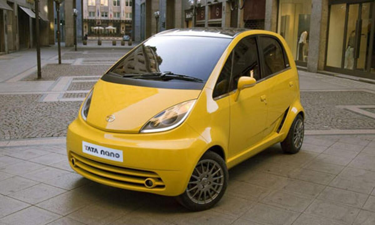 Tata Nano - самый дешевый в мире автомобиль