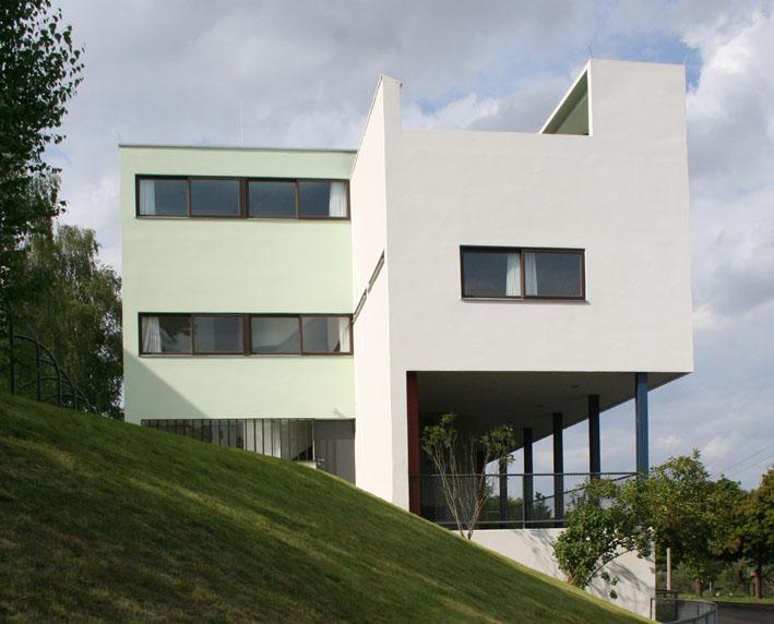 Жилой дом по проекту Ле-Корбюзье в посёлке Вейссенгоф, Штутгарт, Германия. 1927