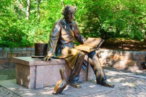 Международный день детской книги. Как прошло детство великого сказочника Х. К. Андерсена?