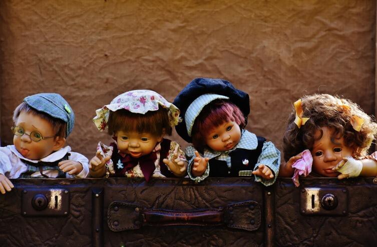 Как в увлекательной форме познакомить ребенка со старинными куклами?