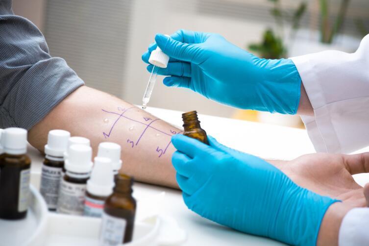 Не имеет смысла давать ребенку лекарства от аллергии, сначала нужно определить, что стало причиной появления болезни