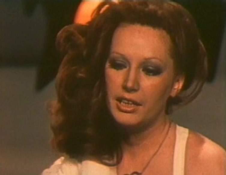 Кадр из фильма «Женщина, которая поёт»