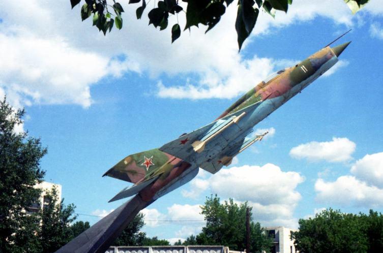 Славгород Алтайский. Самолет Миг-21