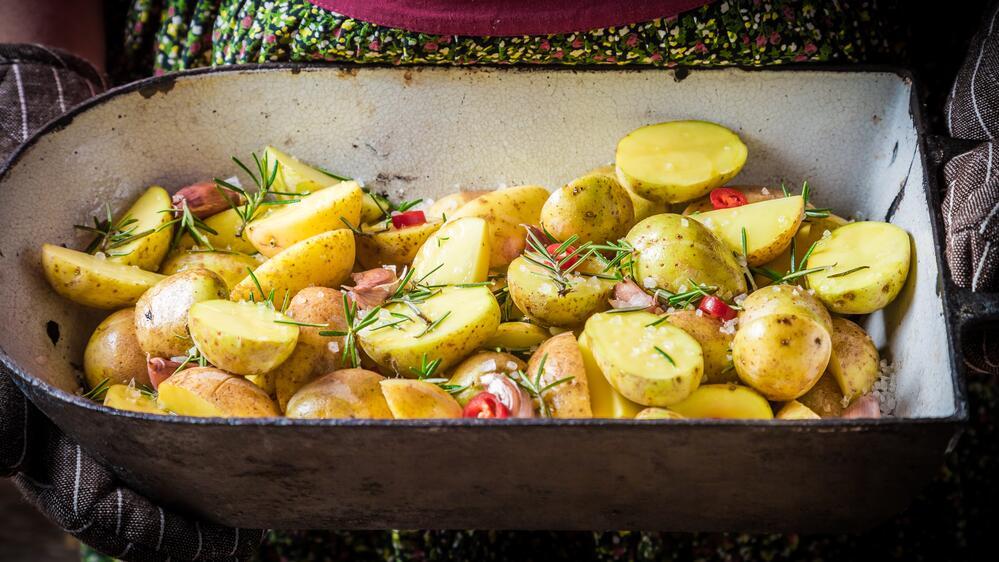 Вредно ли есть позеленевшую картошку