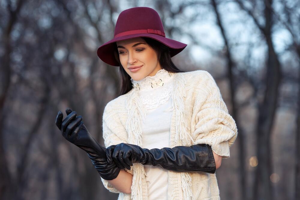 Когда мешочки для рук стали перчатками?