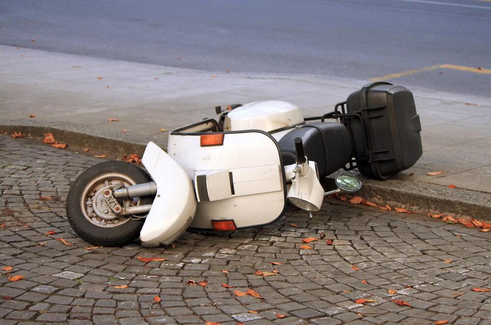 Двухколесная опасность. О чем забывают водители скутеров и мопедов?