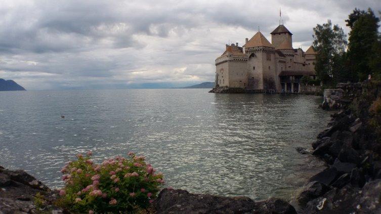 Как отдохнуть в Швейцарии? Озеро Леман - огромное, сиреневое, бескрайнее