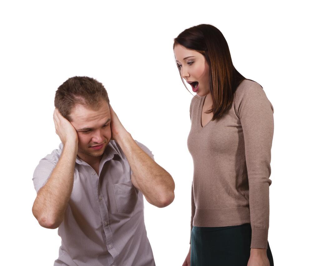 Почему мужчинам трудно общаться с женщинами?