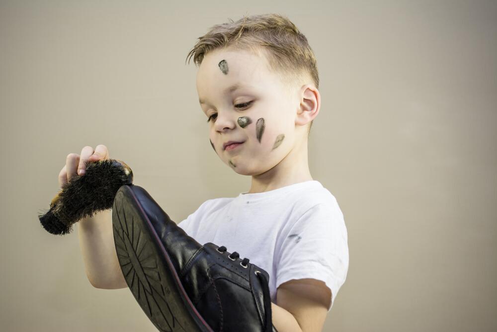 Как научить ребёнка обращаться с деньгами?
