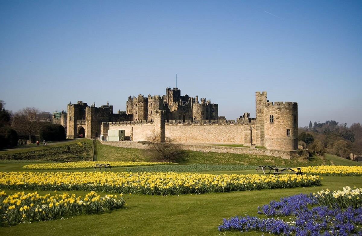 Замок Алник, Англия