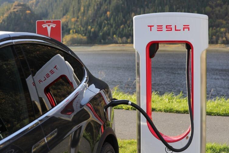 Как зарядить электромобиль за 15 минут?