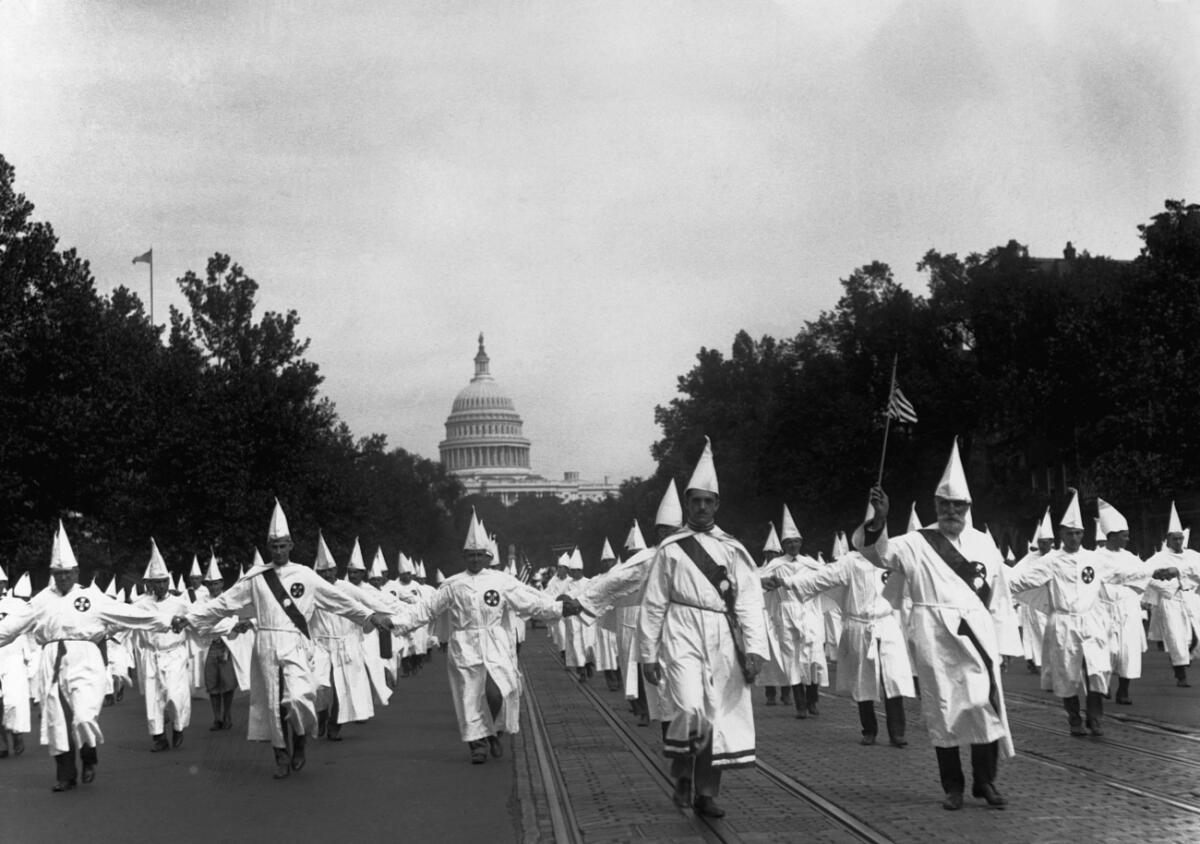 Парад членов группировки в Вашингтоне