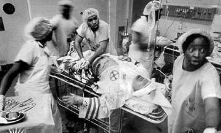 Чернокожие медики спасают жизнь раненному члену ку-клукс-клана