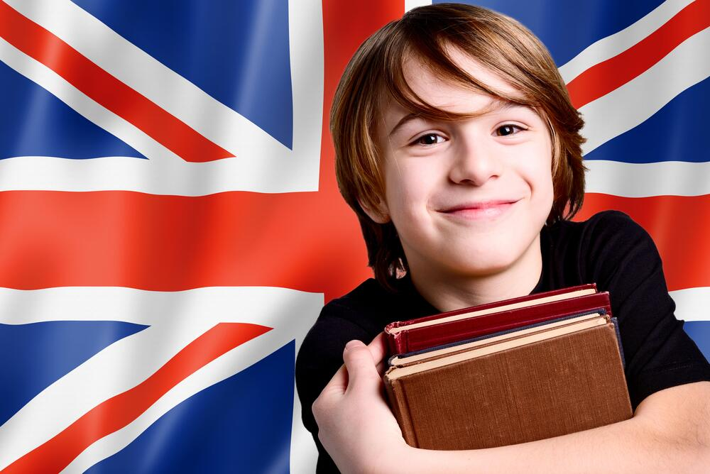 Как научить ребенка правильно произносить английские звуки?