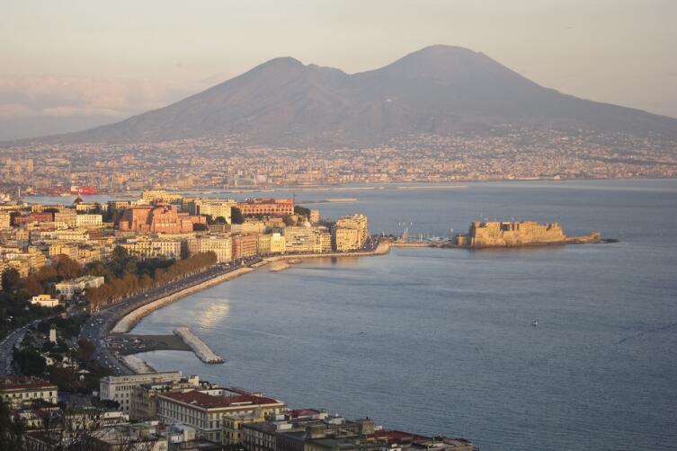 Солнце, море и девичья краса. Как рождалась неаполитанская песня?
