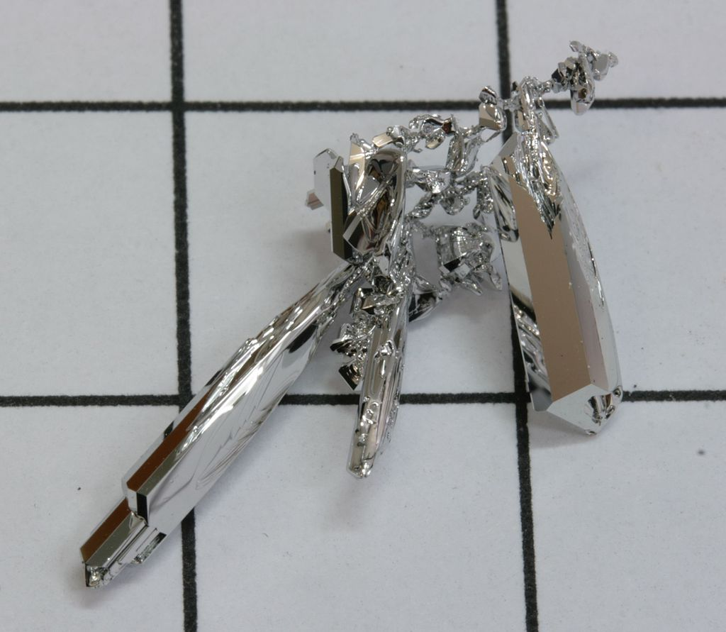 Серебристо-белый металл Рутений