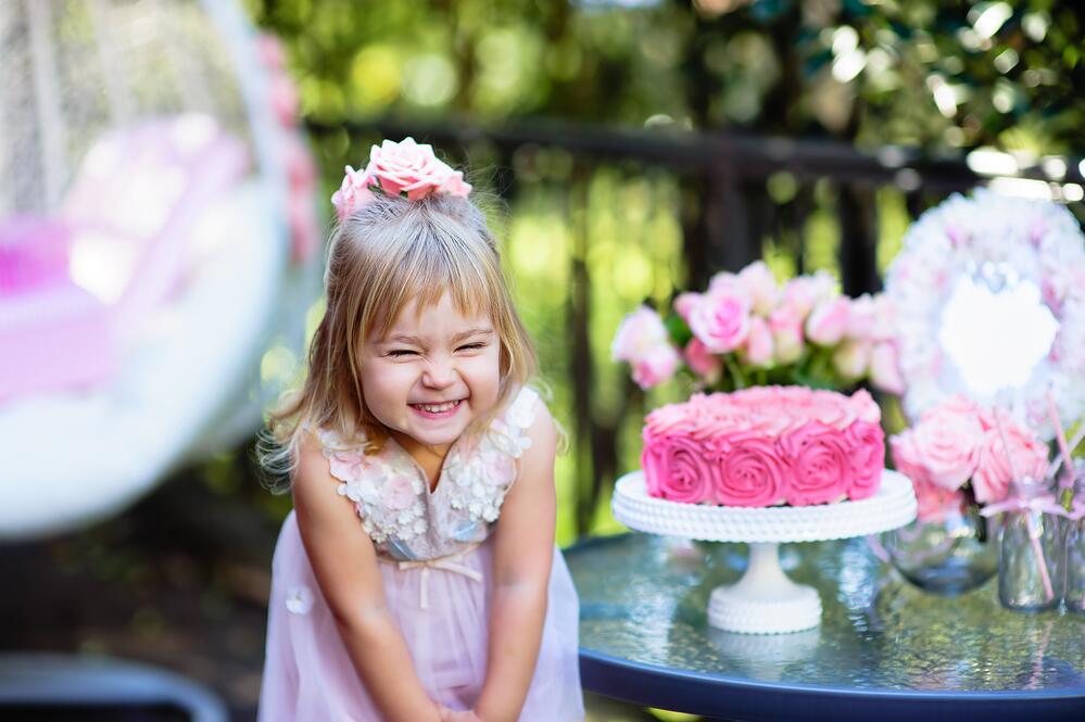 Почему дети любят сладости?