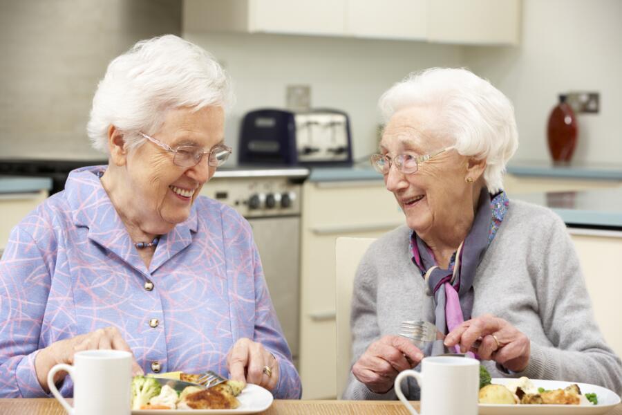 Чем питаться пожилым людям?