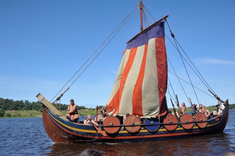 Реконструкция дракара викингов