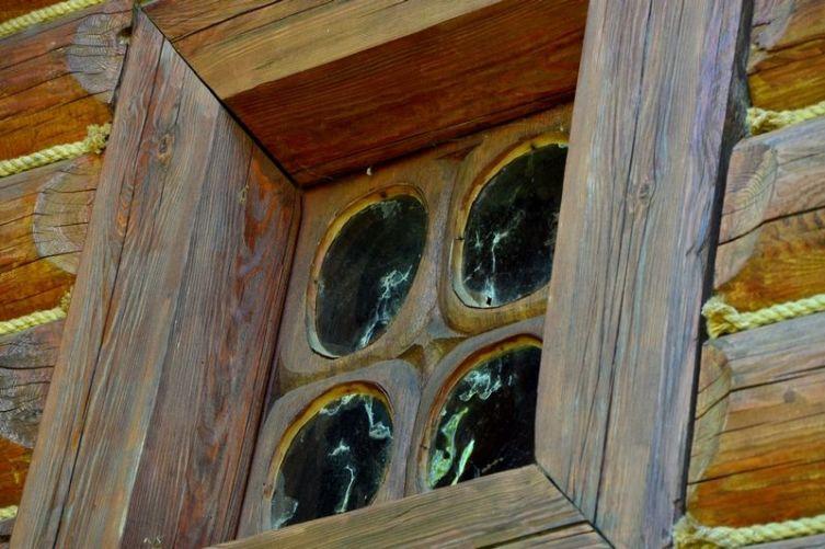 Примерно так выглядел первый «стеклопакет» на Руси